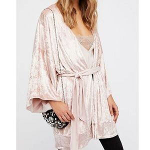 Free People Right About Crushed Velvet Robe XS